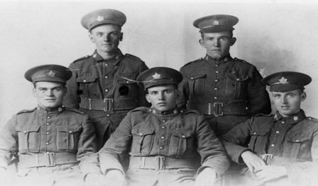WWI soldiers in uniform