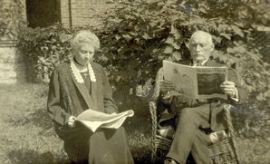 James and Helen Blain reading newspapers in 1919